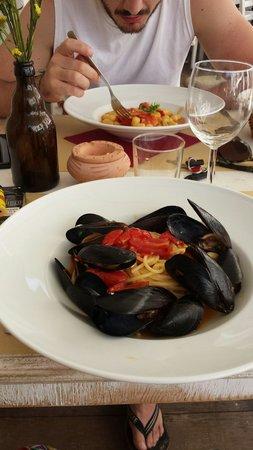 Camarillo Brillo : Gnocchetti al gambero rosso e spaghetti con cozze e peperoncino!