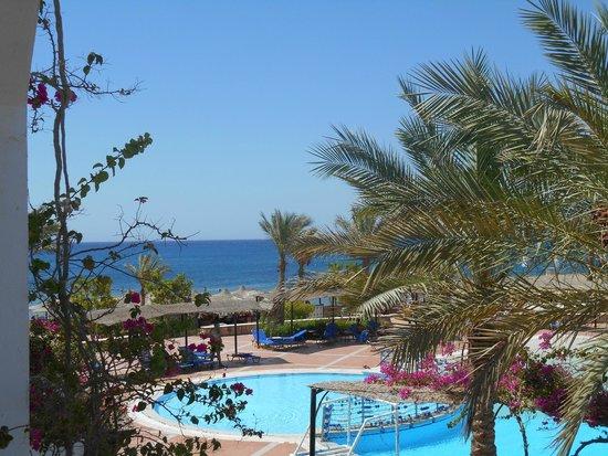 Jaz Dahabeya: sea view from our balcony !;)