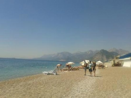 Crowne Plaza Hotel Antalya: The beach