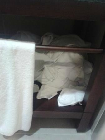"""Crowne Plaza Hotel Antalya: Here's what we found one day after room being """"cleaned"""""""