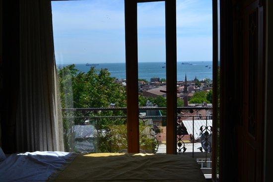 Blue Istanbul Hotel: Sea
