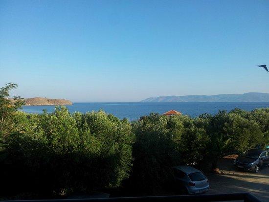 Panselinos Hotel Apartments: links Griechenland, rechts die Türkei /2