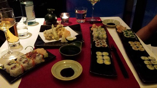 Toshi: Sushi and tempura vegetables