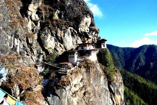Taktsang Palphug Monastery : Taktshang