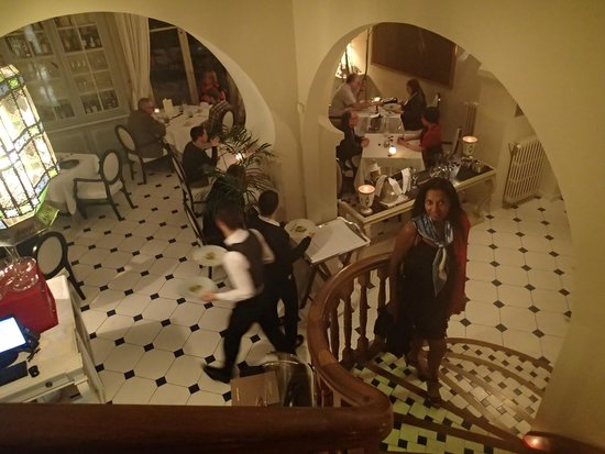La Villa Mauresque: En descendant à la salle à manger