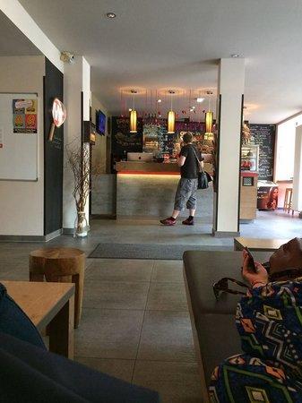 MEININGER Hotel Berlin Mitte Humboldthaus: reception