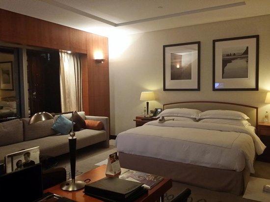 Jumeirah Emirates Towers: Room