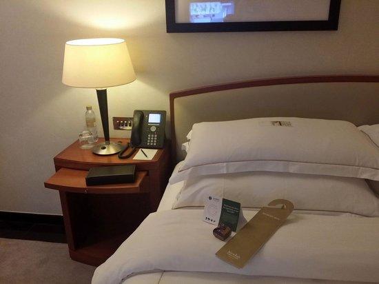 Jumeirah Emirates Towers : Bed