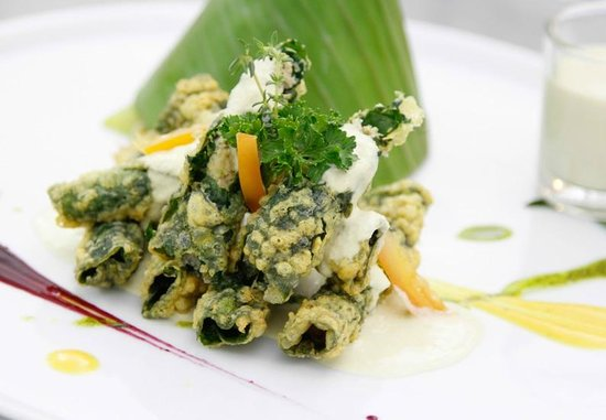 Blue Lagoon Restaurant : Fusion // Pork wrapped by Betel leaf serve with Lemongrass cream sauce