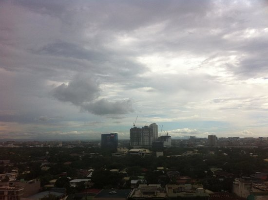 Holiday Inn & Suites Makati: view