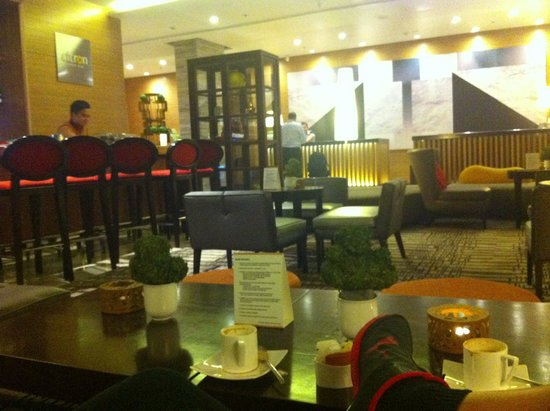 Holiday Inn & Suites Makati: citron
