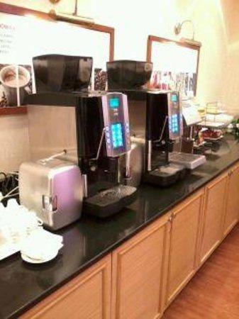 Warsaw Marriott Hotel: specialty coffee (breakfast)