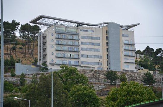 Hotel Vanguarda: Hotel visto do Continente