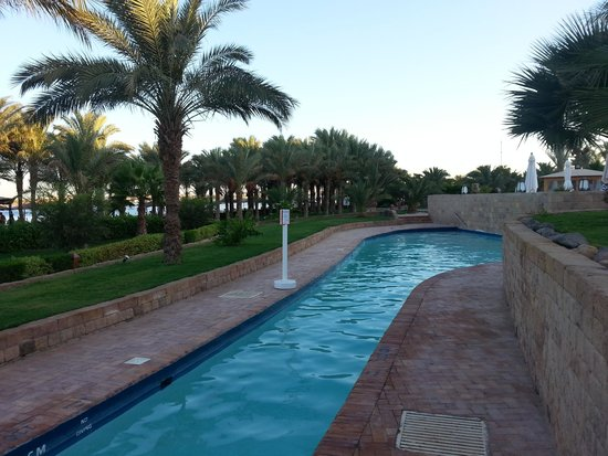 Fort Arabesque Resort, Spa & Villas : One of many pools