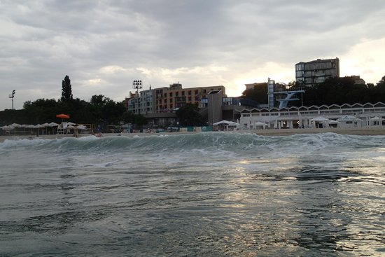 Panorama Hotel: Location of the Panorama hotel as seen from the sea