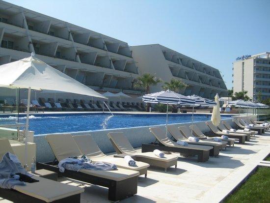 Valamar Dubrovnik President Hotel: Infinity pool