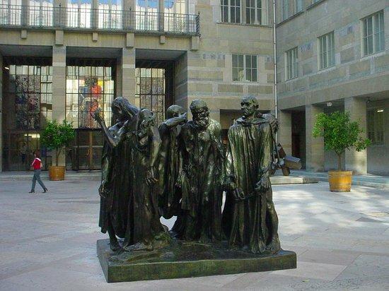 Fine Arts Museum (Kunstmuseum): Pátio central