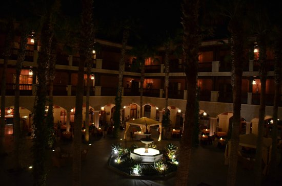 Hotel Elba Palace Golf: Patio Canario