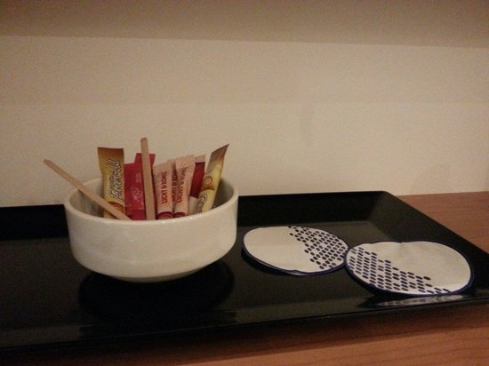 Hampton by Hilton Amsterdam / Arena Boulevard: No refill of mugs nor tea bags the second day
