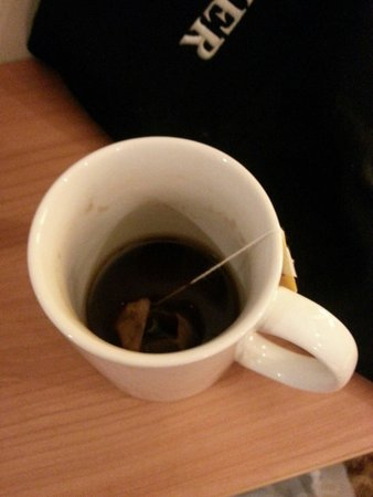 Hampton by Hilton Amsterdam / Arena Boulevard: Mug was not replaced nor washed the second day