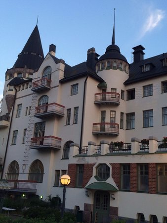 "Cumulus Resort Imatran Valtionhotelli: Esterno della parte ""castello"" dell'hotel"