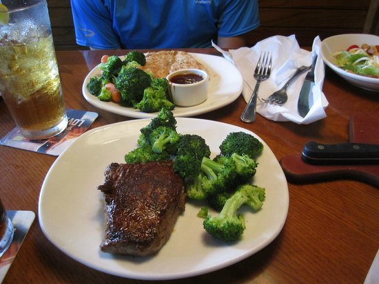 Outback Steakhouse: sirlion and chicken from the barbie