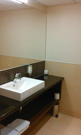 Mercure Warszawa Airport: bathroom