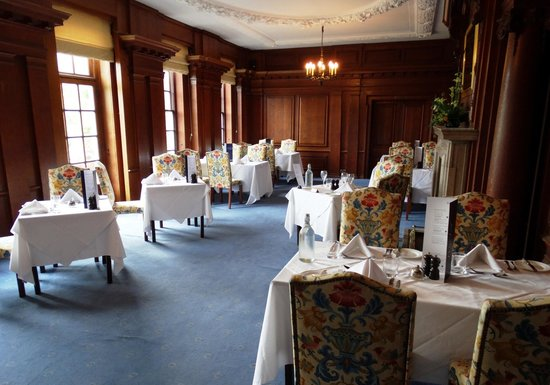 Barnett Hill Hotel: Well appointed, comfortable dining room.