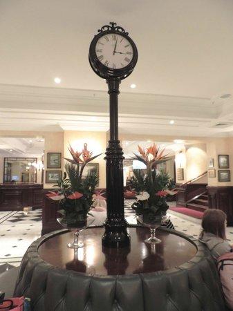 Sarova Stanley: Холл отеля