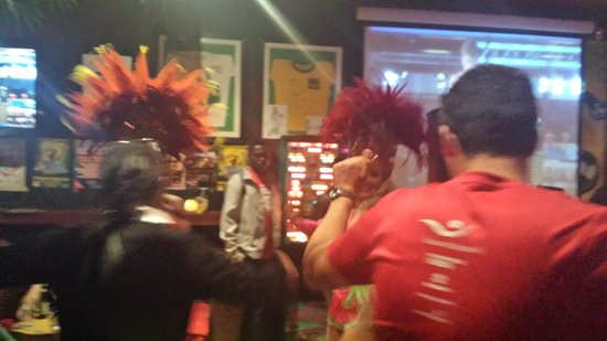 Boteco Do Brasil: dancers
