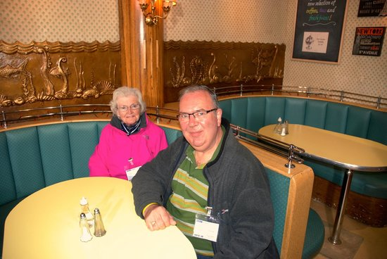 River City Set Tour: Mum & I in the Oyster Cafe