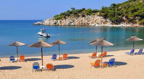 Atrium Hotel Thassos: a noon at the beach