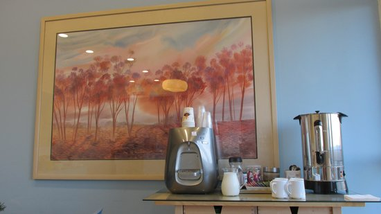 Blue Sea Marble Hotel: Coffee corner