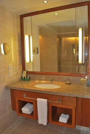 Shangri La Barr Al Jissah Resort & Spa - Al Bandar Hotel : Al Waha Room