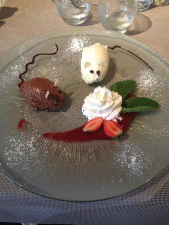 Restaurant Le Château du Port : Dessert au deux chocolats