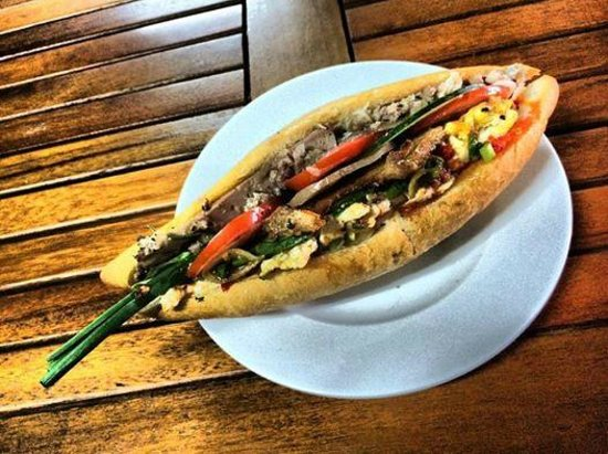"""Banh Mi Phuong: """"with everything plus egg"""""""