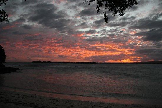 Eratap Beach Resort: Sunset