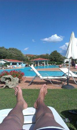 Geovillage Sport Wellness & Convention Resort: piscina con bar incorporado