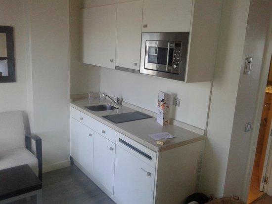 Sercotel Suites Viena: Cocina