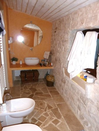 Masseria Iazzo Scagno : salle de bain