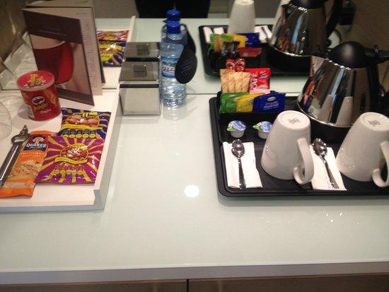 Hilton Capital Grand Abu Dhabi: Tea Coffee