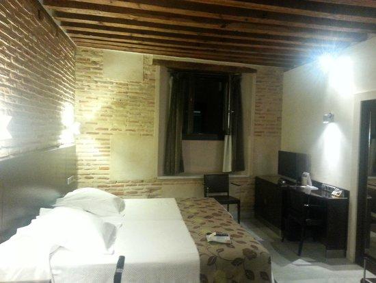 Sercotel Hotel Pintor el Greco : Our room