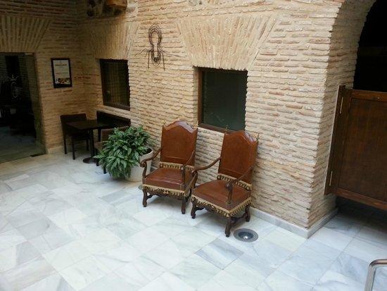 Hotel Pintor El Greco Sercotel: Lobby near dining area