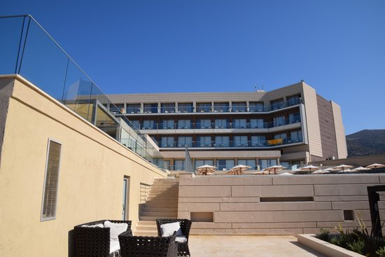 Aktia Lounge Hotel & Spa : Apartment block view from beach