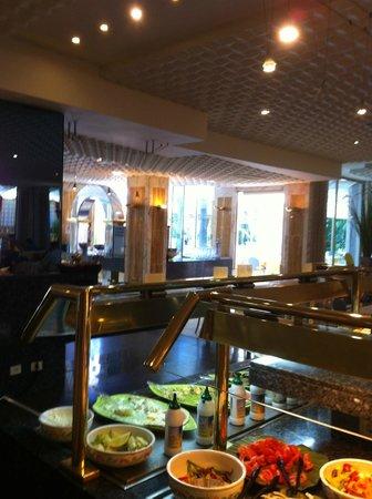 Hotel Eugenia Victoria: salle à manger interieure