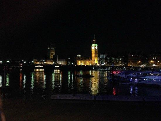 Thames River : Река ночью