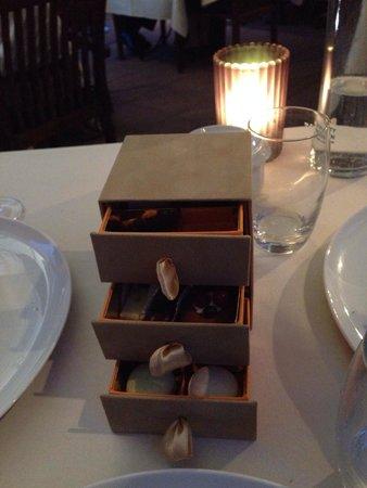 Restaurant JYS : Et la touche finale, les mignardises !