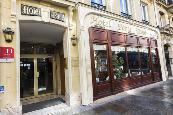 Hotel Paris Rivoli : Outside of the hotel
