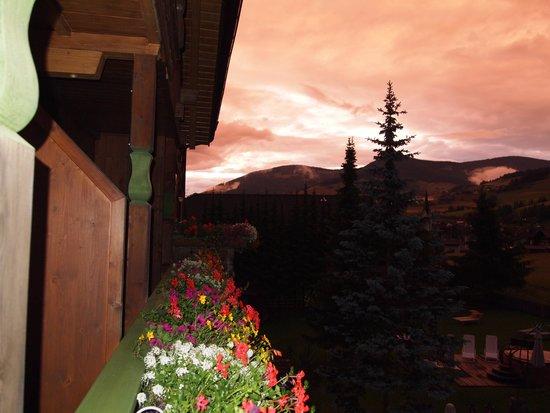 Hotel Aqua Bad Cortina: foto dal balcone posto davanti alla casa