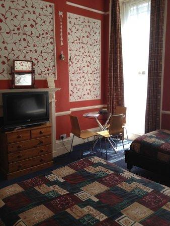 Hadleigh Hotel: Triple room